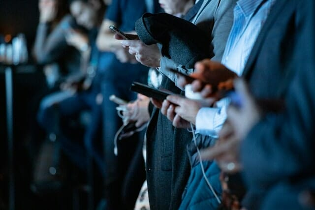 distractions social media